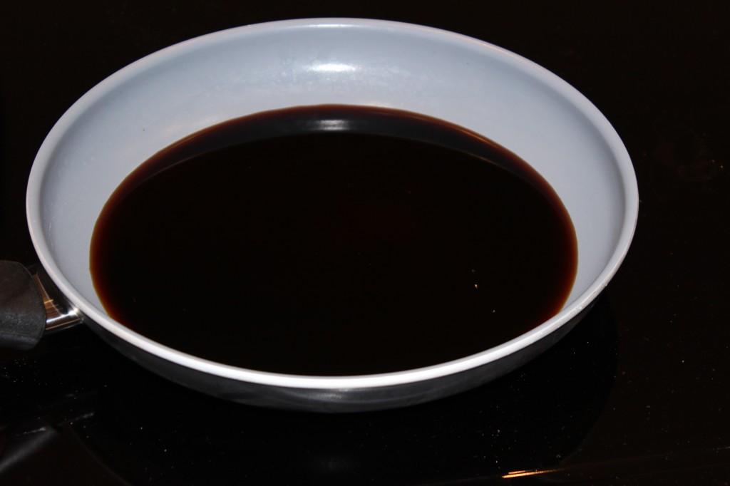Sauce soja sucrée pour les boulettes japonaises