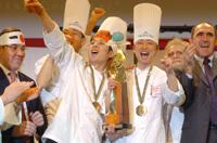 3 Japonais champions du monde 2007 de pâtisserie à Lyon